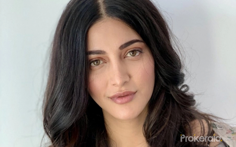 Shruti Haasan looks breat