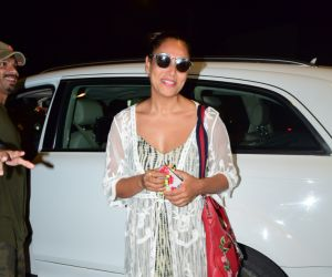 Actress  Bipasha Basu spotted at juhu