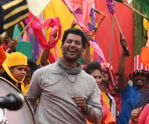 Aambala Movie Still