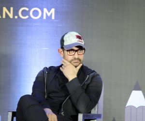 Aamir Khan At Grand Finale Of Cinestaan India's Storytellers Script Contest
