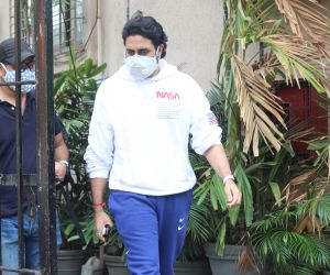 Abhishek Bachchan spotted at dubbing studio in juhu with Mask