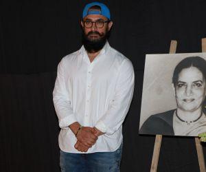 Actor Aamir Khan Attend Prayers Meet of Shabana Azmi Mom.