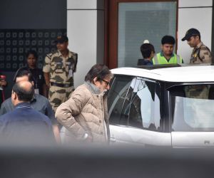 Actor Amitabh Bachchan  leave for Ritu Nanda's funeral at Delhi.