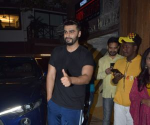 Actor Arjun Kapoor visit in juhu.