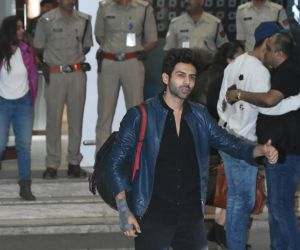 Actor Kartik Aaryan snapped at airport in Kalina