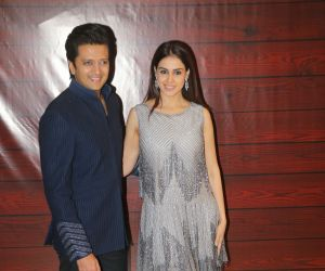 Actor Ritesh Deshmukh and Genelia D Souza  at Javed Akhtar's Birthday.