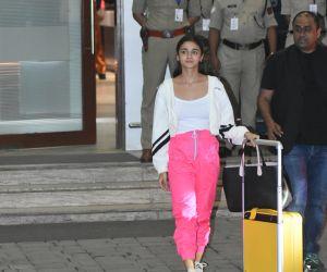 Actress Alia Bhatt snapped at airport in Kalina