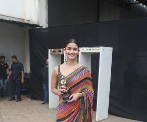 Actress Alia Bhattin Star Screen Awards at BKC.