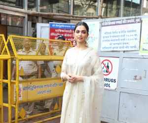 Actress Deepika Padukone Visit Siddhivinayak Temple On Her Chhapaak Release