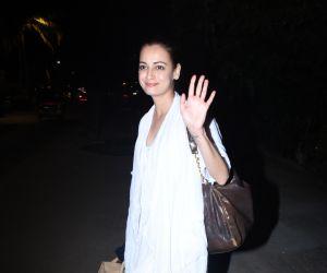 Actress Dia Mirza gets snapped outside Zoya Akhtar's house