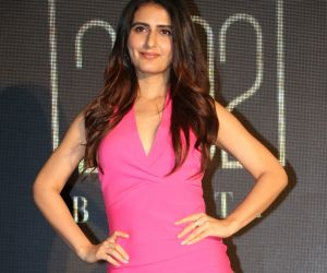 Actress Fatima Sana Shaikh in Unveiling Of An India Inspired Line Of Lip Shade 25o2