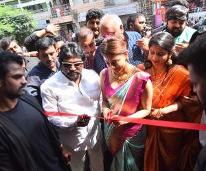 Actress Kajal Agarwal Grand Launch of Vidhatri Shopping Mall at Vijayawada