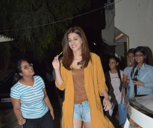 Actress Kriti Sanon seen kromakey juhu.