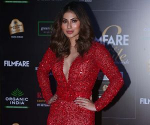 Actress Mouni Roy in Filmfare Glamour And Style Awards 2019.