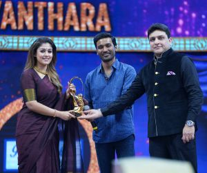 Actress nayanthara in Zee Cine Awards Tamil 2020