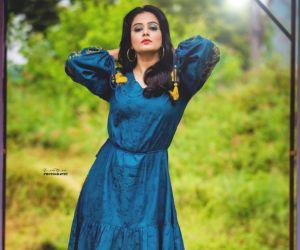 Actress Priyamani new pic free download