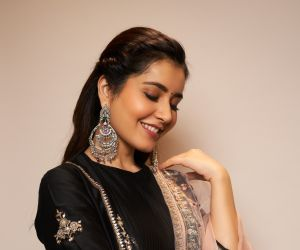 Actress Rashi Khanna During the Photo Section
