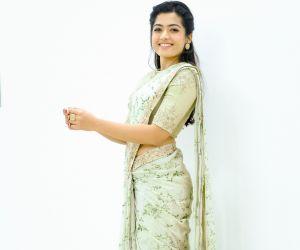Actress Rashmika Mandanna looks cute in this latest saree pics