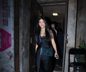 Actress Shruti Hassan seen at palli bhavan Cafe in bandra.