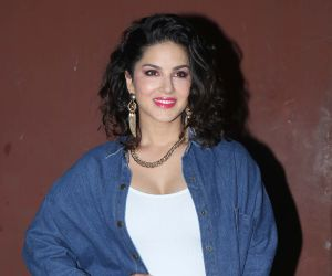 Sunny Leone: Will Celebrate Valentine's Day Alone