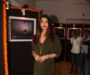 Aishwarya Rai Bachchan at the launch of Mumbai Moments Callander