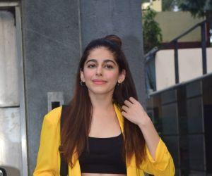 Alaya Furniturewala Spotted Pooja entertainment office juhu