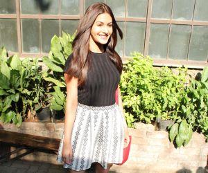 Amyra Dastur new pic