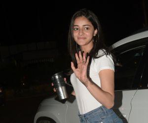 Ananya Panday spotted kromakey juhu