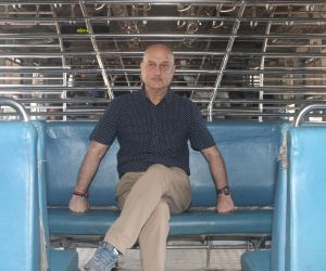 Anupam Kher Travel Local Train