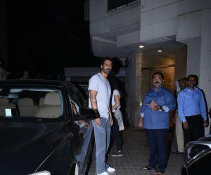 Actor Arjun Rampal casual visit in khar