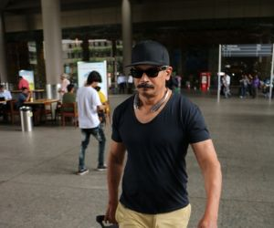 Atul Kulkarni Spotted At Airport