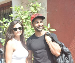 Daisy Shah and taha shah spotted at Dance class in Andheri