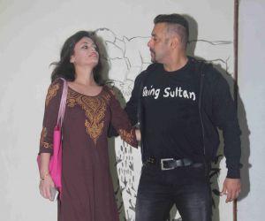 Daisy Shah`s debut play Begum Jaan Programm Still