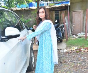 Dia Mirza spotted at versova