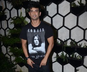 Dinesh Vijan's birthday party at Arth in khar