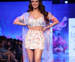 Esha Gupta at Lakme Fashion Week 2020