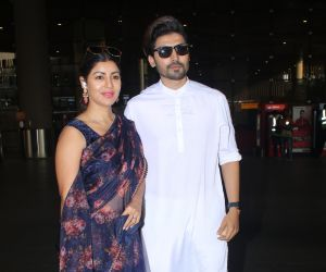 Gurmeet Choudhary n his wife spotted at airport arrival