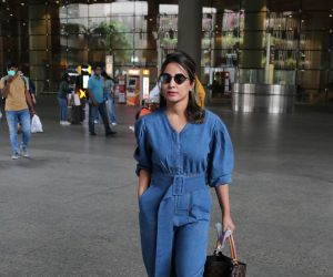 Hina Khan Spotted At Airport Arrival