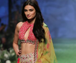Actress Athiya Shetty On Ramp In L F W  2020