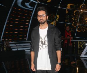 Ayushmann Khurrana @ Indian Idol set