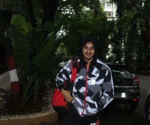 Ishaan khattar spotted at bandra