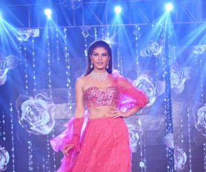 Jacqueline Fernandez The Ramp As ShowStopper For Designer Shehlaa Khan At 'The Wedding Junction Show'