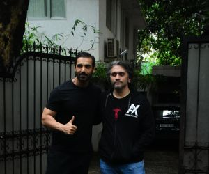John Abraham and Mohit Suri spotted at bandra