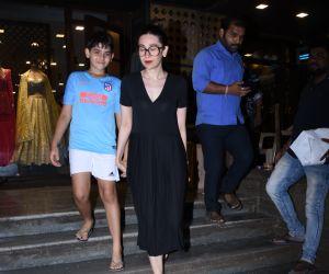 Actress Karishma Kapoor & son Seen at Bandra Shop