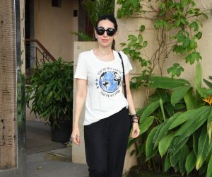 Karishma Kapoor  spotted at a clinic in bandra