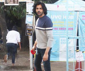Kartik Spotted Onlocation Adv Shoot In Versova Andheri