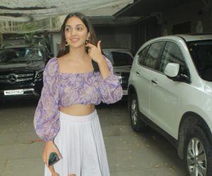 Kiara Advani Spotted At Juhu