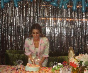 Kriti Sanon celebrated her birthday at Maddock Films office, Khar