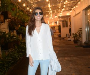 Kriti Sanon  spotted at sunny sound juhu