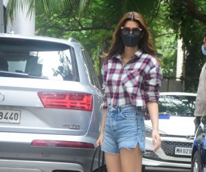 Kriti Sanon spotted outside Maddock Office at Santacruz